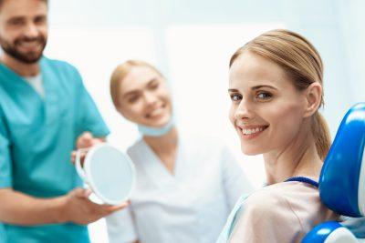 durata implant dentar