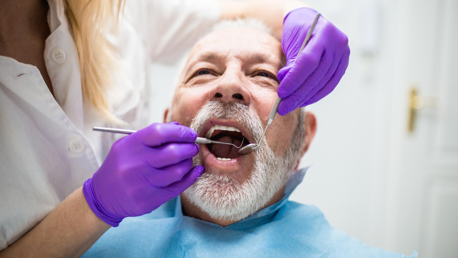 indicatie implant dentar